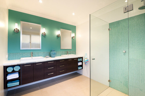 The touch of blue allows for a cool and airy space that adds an aquatic feel.